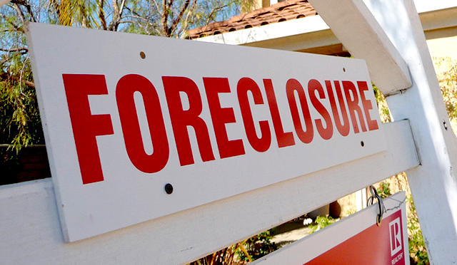 ForeclosureSign640